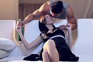 amateur squirting hottie on webcam